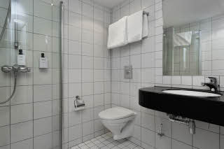 Scandic Kirkenes, Kirkenes, superior extra, room, bathroom