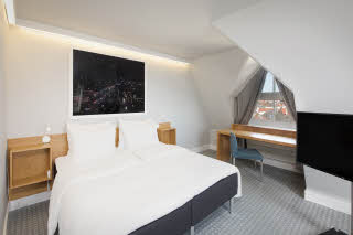 bedroom in suite