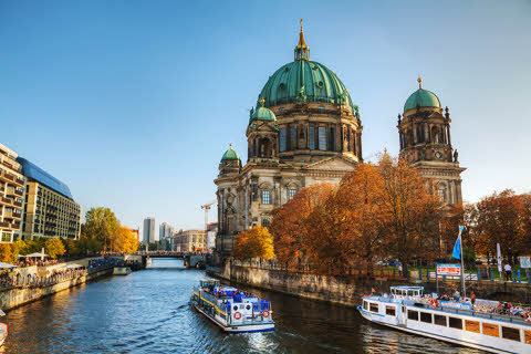 germany-berlin-berliner-dom-cathedral-in-the-eveni.jpg