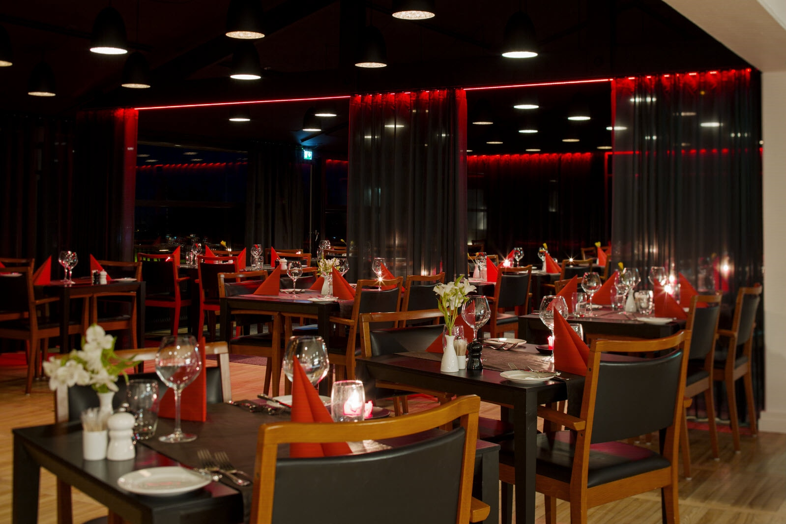 Scandic Aalborg, A la carte, restaurant, night time, close up