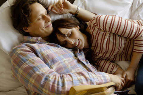 ccc-people-ccouple-2c-casual-relax-bed-room-book-r.jpg
