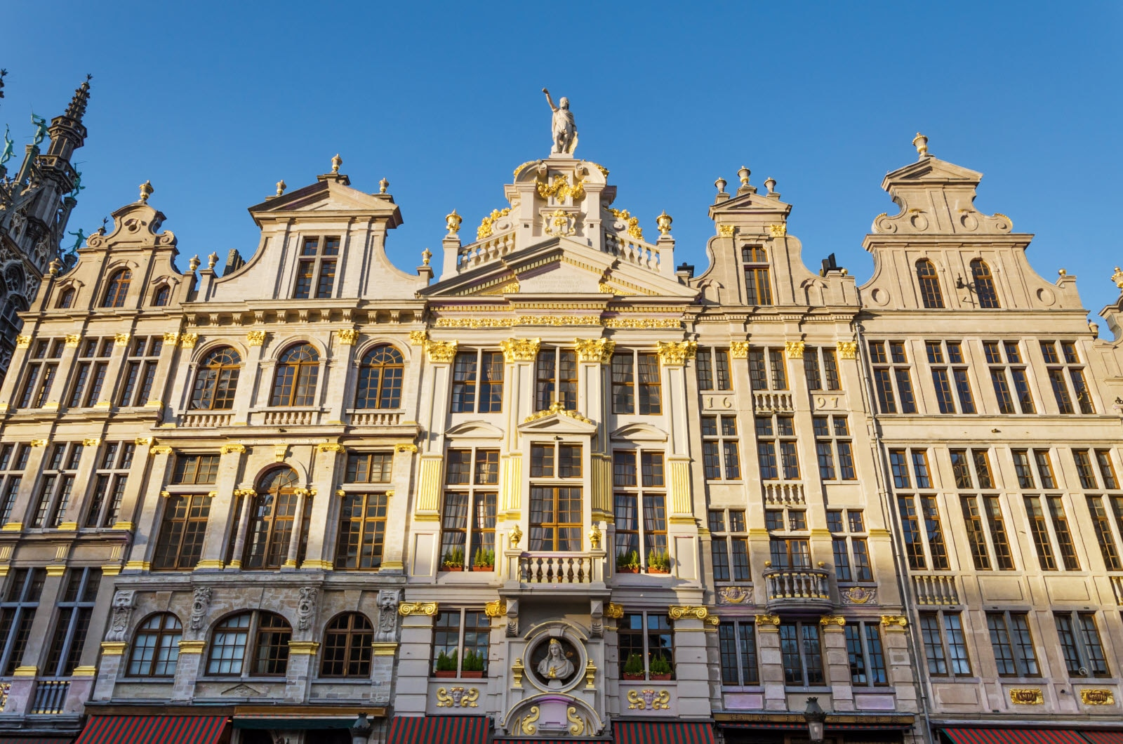 Belgium, Brussels, Grand Place. Mostphotos.com