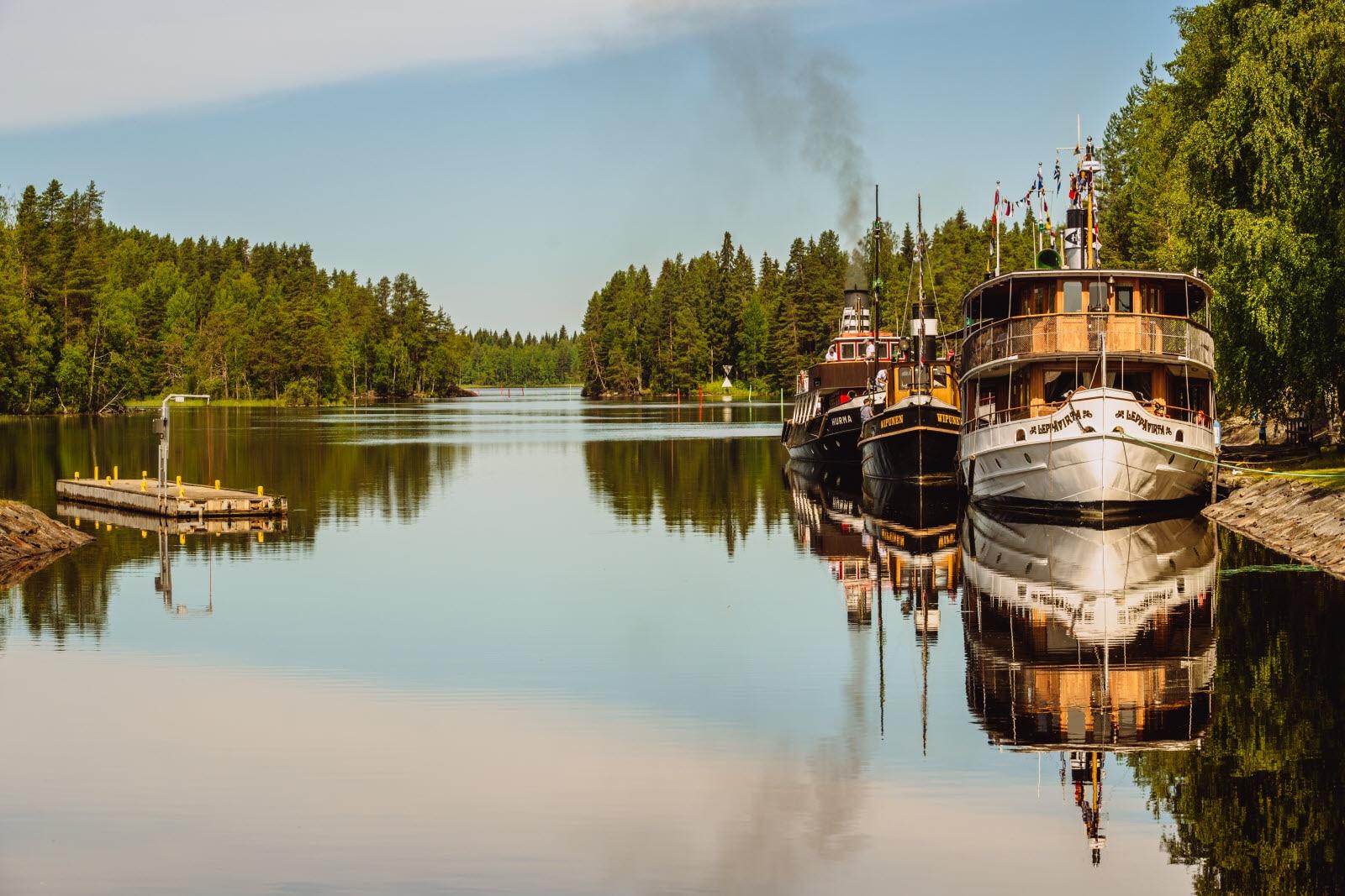 Facebook rento ruskeaverikkö lähellä Kuopio